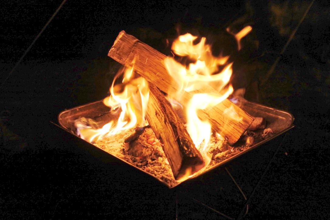 【モテるバーベキュー】炭火起こしはスマートに!これだけ揃えれば火起こし簡単!!