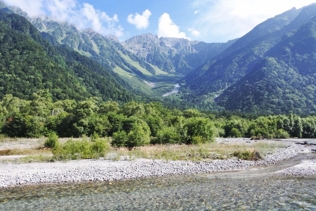 【上高地】日本屈指の楽園で、子連れキャンプとハイキングを楽しもう!