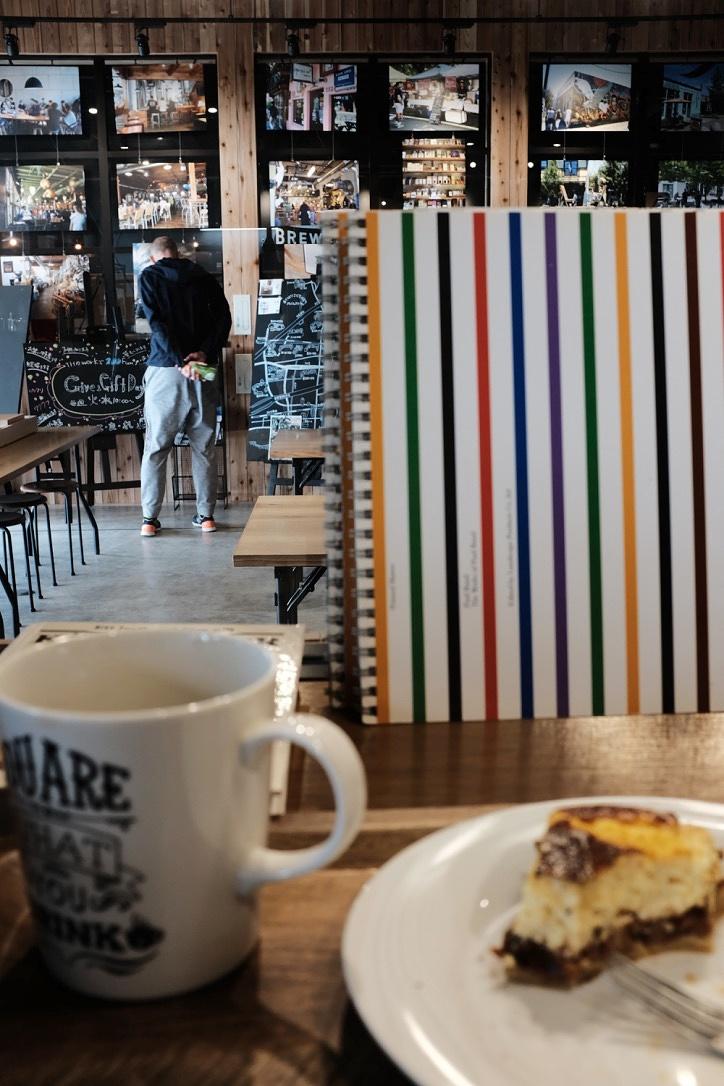 『PIE & COFFEE mamenakano』美味いコーヒーとパイのスタンド。良店です。