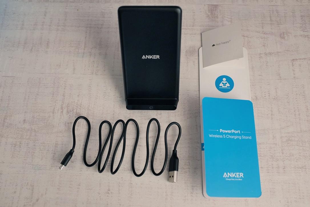 Anker「スタンド型Qiワイヤレス充電器」レビュー。まだケーブル直挿しで充電してるの?『PowerPort Wireless 5 Stand』