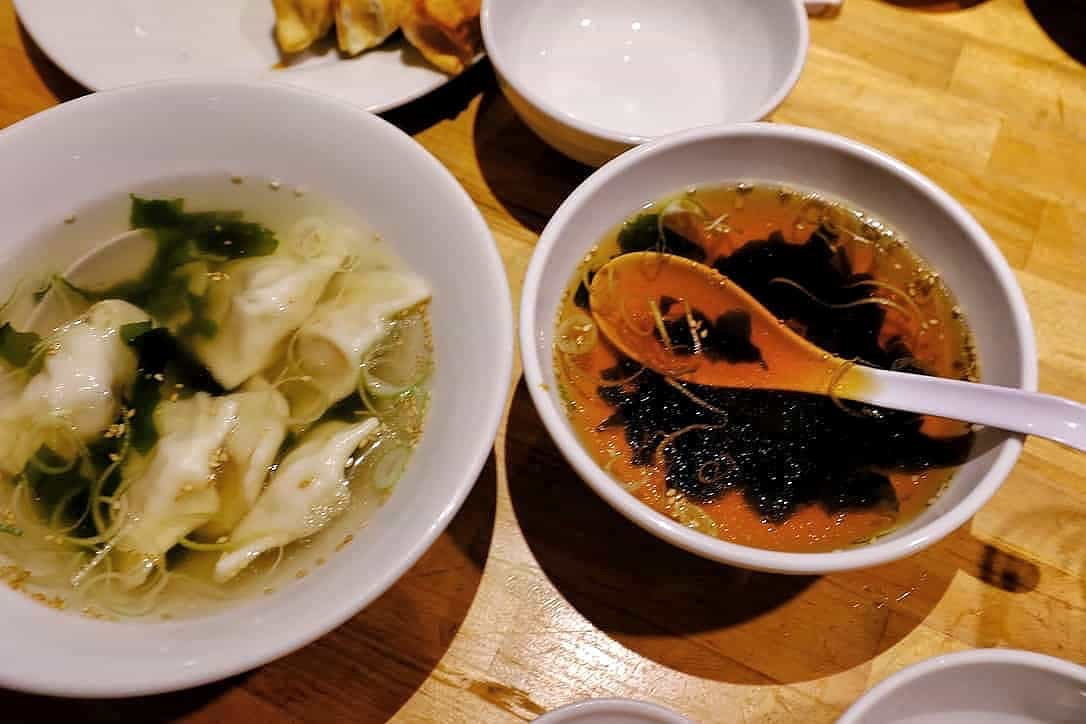 ホワイト餃子スープ餃子