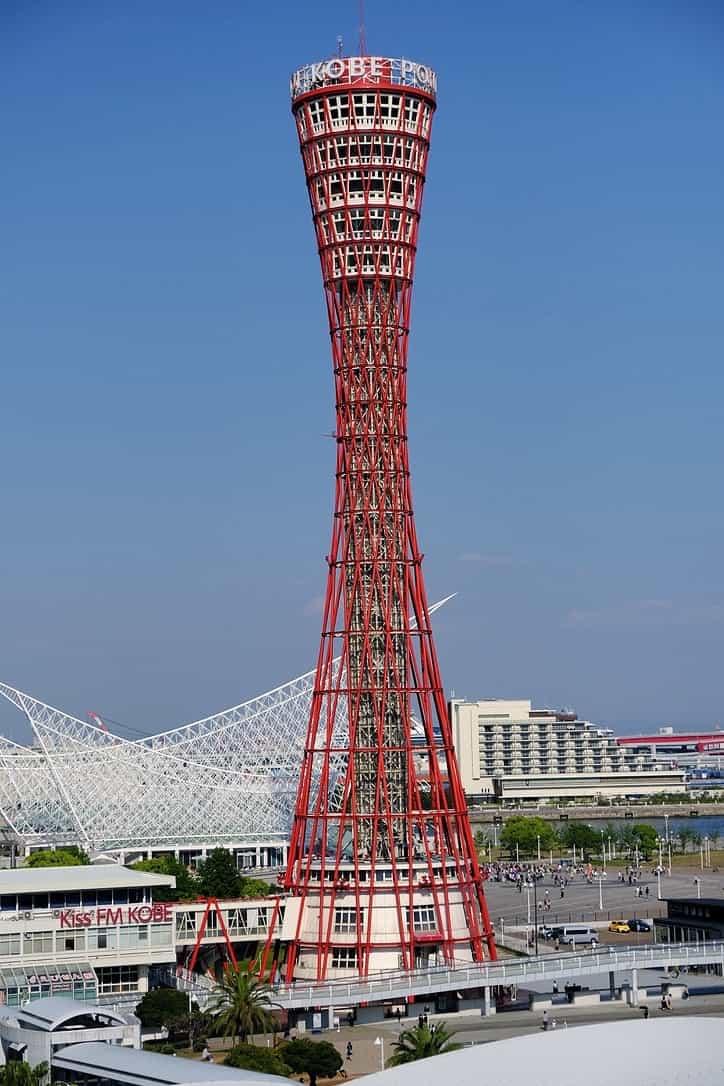 ラスイート神戸から見える神戸ポートタワー